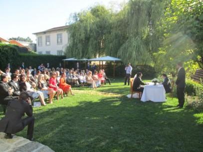 Matrimonio nel giardino delle cantine del porto